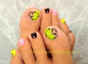 fun neon clock toenail art - nail