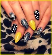 black & yellow - nail art