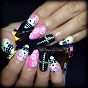 sugar skulls - nail art