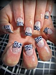 blinged leapard - nail art