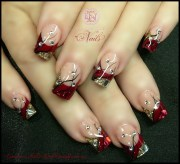 christmas nails in red & gold