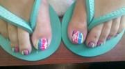 beach ball toes - nail art