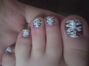 zebra toe - nail art