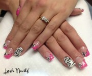 pink zebra - nail art