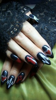 black nails- lady gaga - nail art
