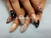 blinged stilleto - nail art