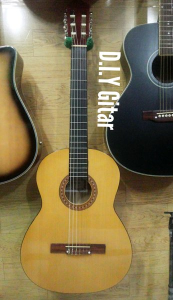 Gitar Akustik Nylon model Osmond