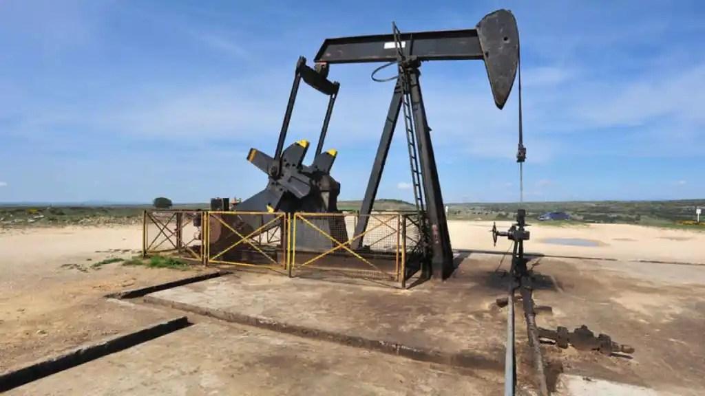 Resultado de imagen para pozo petrolero
