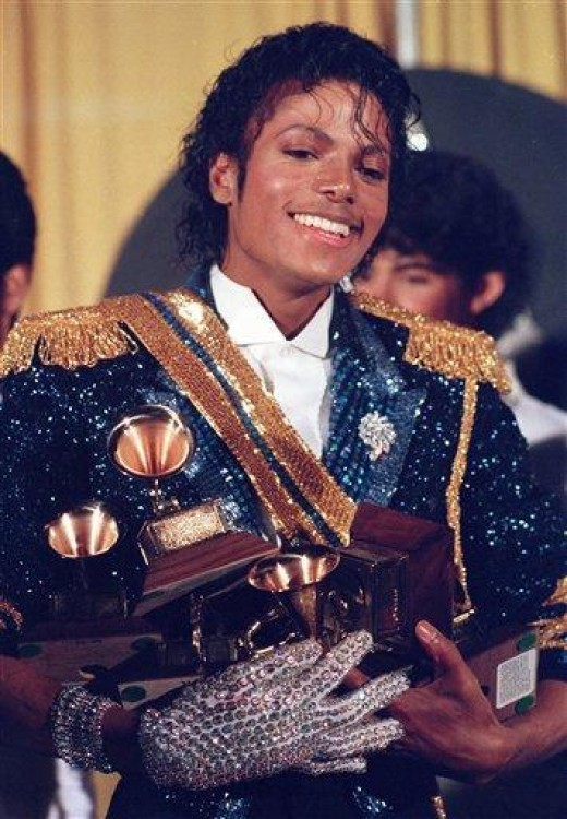 Michael Jackson Receiving His 8 Grammys For Thriller