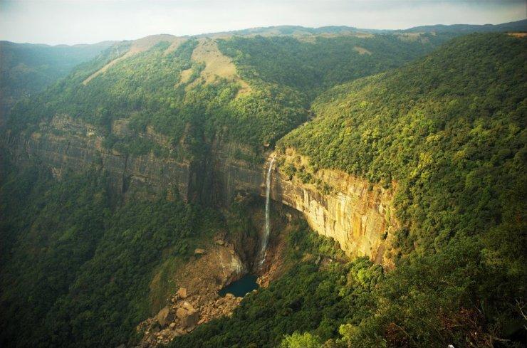 17 Breathtakingly Beautiful Places In India You Must Visit Before You Die Nohkalikai falls cherrapunji