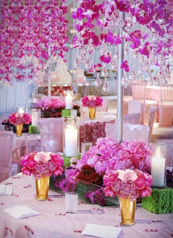 Hngende Rosa Blumen Und Leuchter Aus Glas Droplets  Pink