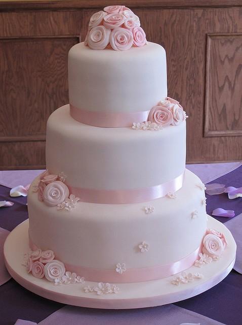 Chic Fondant Wedding Cakes  Hochzeitstorte Design 797273