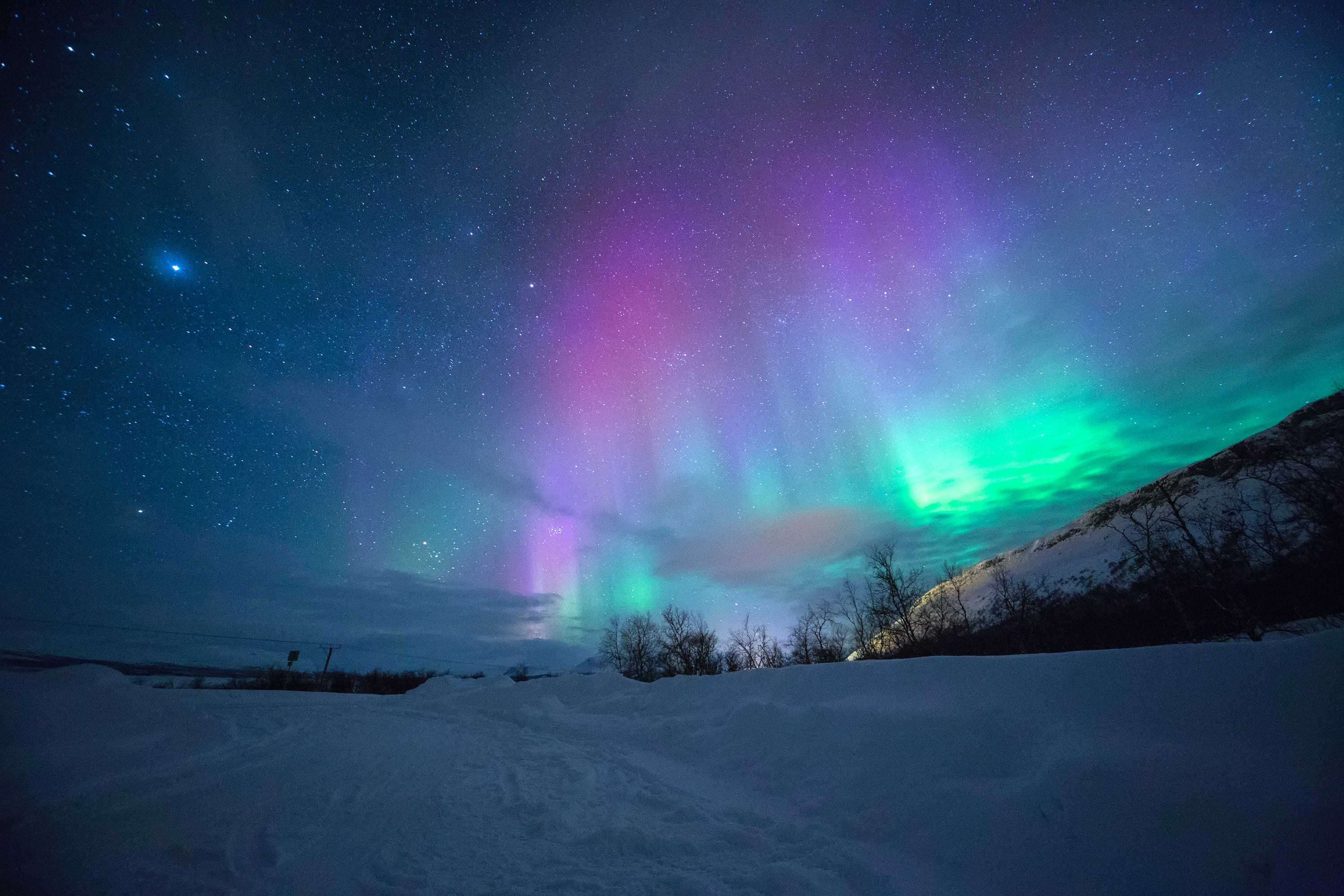 Wallpaper Weekends Northern Lights For Mac IPhone IPad And Apple Watch