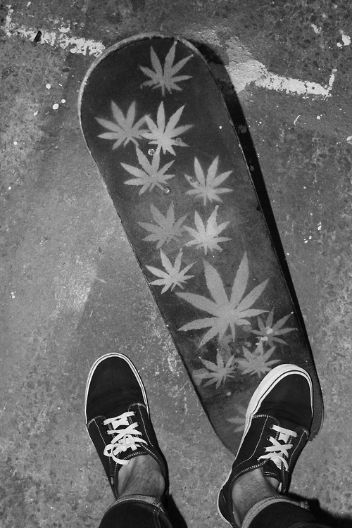 Huf Wallpaper Girl Black And White Board Boy Cannabis Image 513844 On