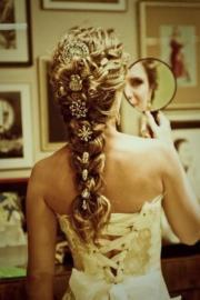 braid hairstyle with brosh hair