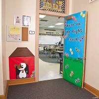 Paw Print Door Dcor Idea