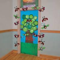 Spring Tree Door Decoration Idea