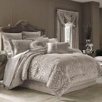 J. Queen New York Sicily Comforter Set in Pearl