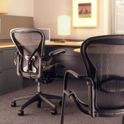 posturefit chair folding jokes herman miller aeron with yliving com
