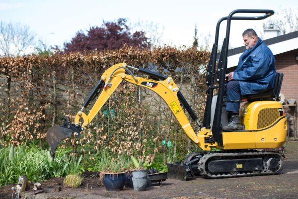 cat landscaping equipment caterpillar