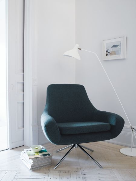 swivel lounge chairs reception room noomi chair design within reach