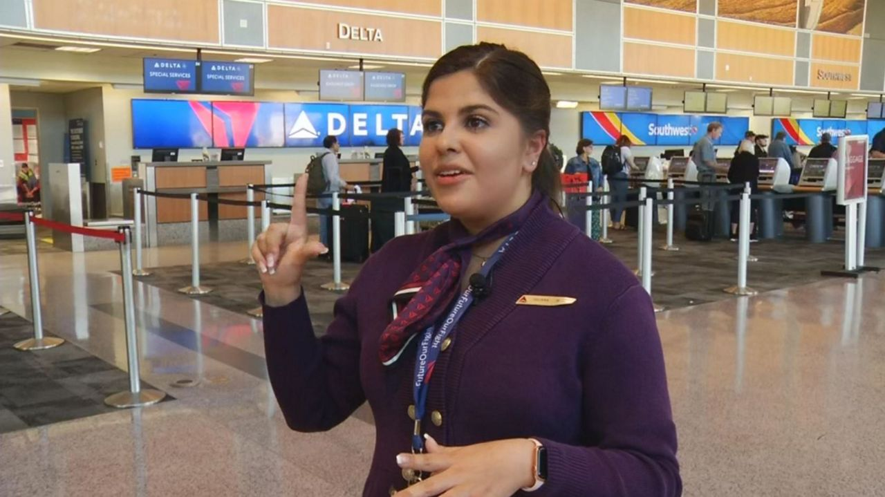 Airline Ticket Agent Job Description - United Airlines and Travelling