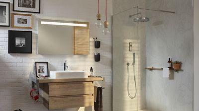 rajeunir les murs de la salle de bains
