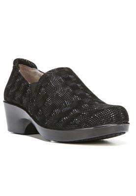 Naturalizer Nursing Shoes And Clogs Scrubshq
