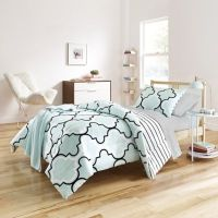 Preppy Fret Reversible Comforter Set in Mint