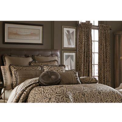 J. Queen New York Luxembourg Comforter Set