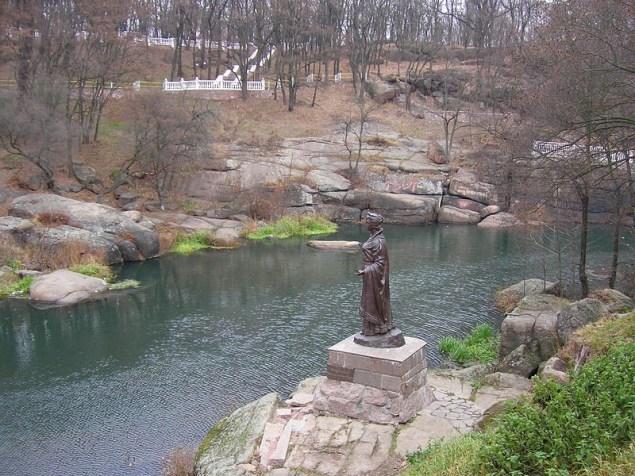 Коростень. «Купальня княгині Ольги» на річці Уж.