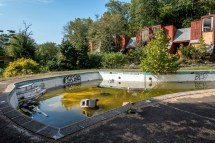 Eerie Abandoned Resorts Of Poconos Mountains