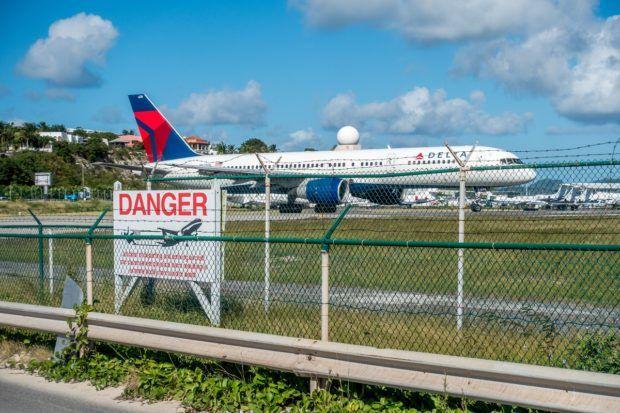 extreme aviation at maho