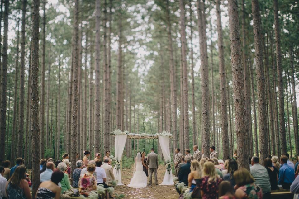 Burlap  Bells  Black River Falls WI  Rustic Wedding Guide