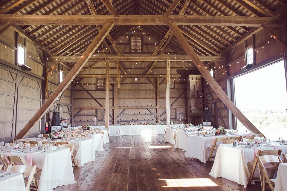 Barn At Salomon Farm Park Fort Wayne In Rustic Wedding Guide
