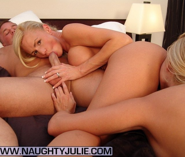 Horny Couple Seduces Girl For Pussy Romp Download  C2 B7 Download