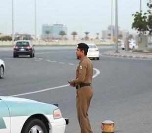 """""""المرور"""": 5 حالات يجب على قائد المركبة فيها السير أقصى الجانب الأيمن من الطريق."""