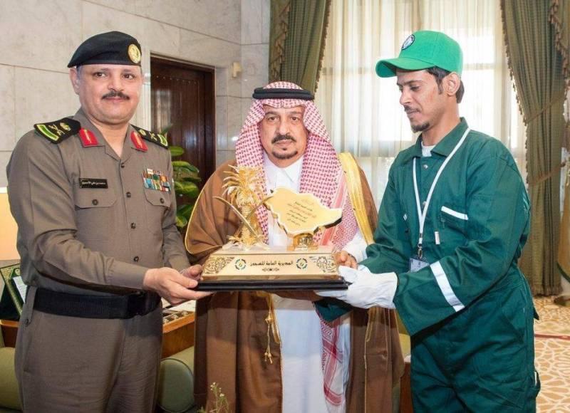 الأمير فيصل بن بندر يستقبل منسوبي مديرية السجون