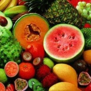 تناول هذه الفواكه يحميك من الجفاف خلال موجات الحر