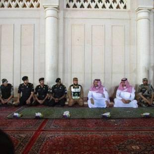 أمير المدينة يشيد بدور رجال الأمن في المسجد النبوي