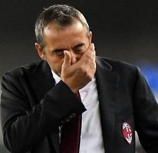 """إقالة """"ماركو جيامباولو"""" مدرب ميلان من منصبه"""