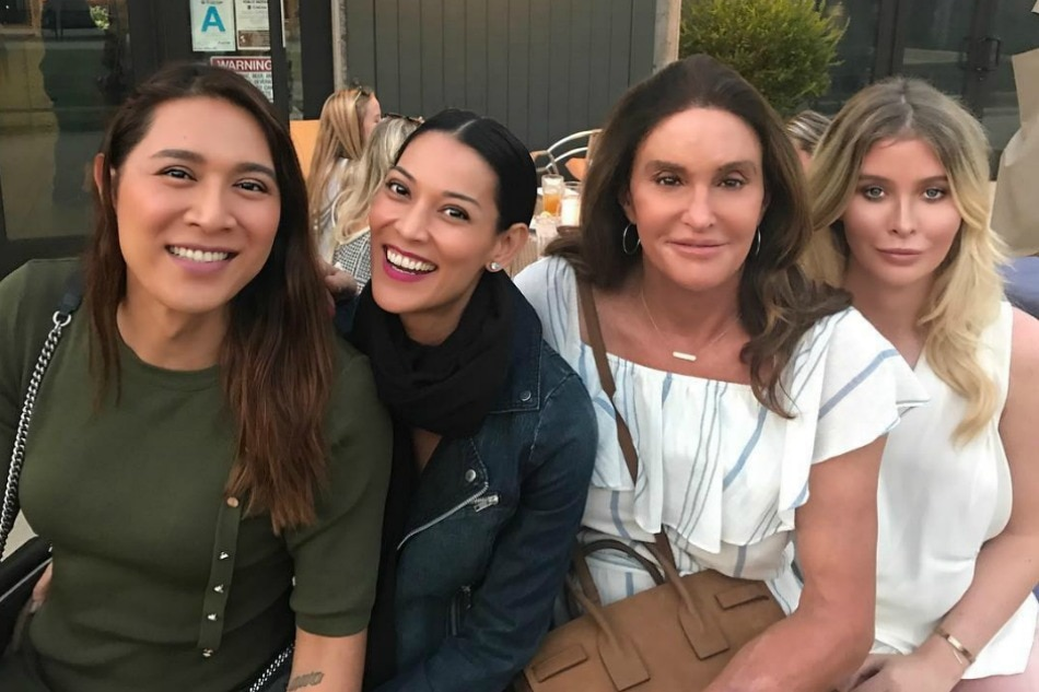 LOOK Angelina Joey Mead Have Dinner With Caitlyn Jenner
