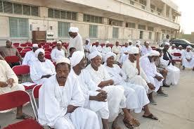 عدد كبير من السودانيين