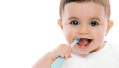 بأسنان طفلك