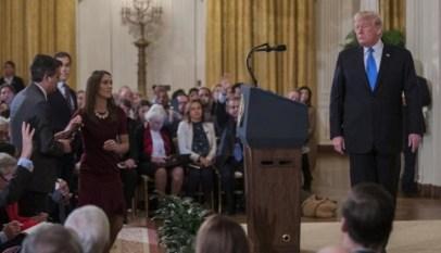 ترامب يحتفظ بمايكروفونات البيت الأبيض