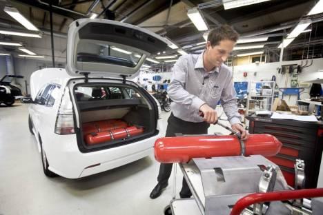 Montage Biogas Saab für benzin, Ethanol und Biogas Betrieb bei ANA Trollhattan