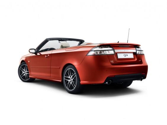 Rear view, Saab logo now on trim