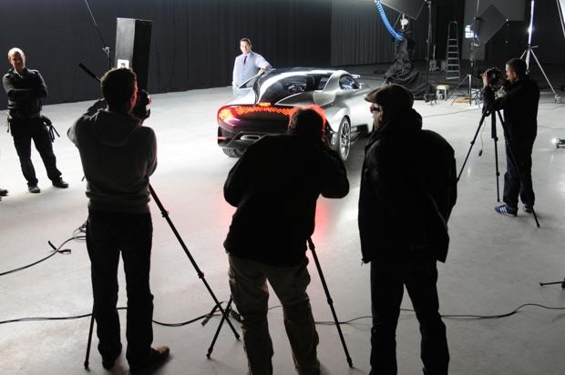 Saab Phoenix mit Saab Designer Steven Castriota