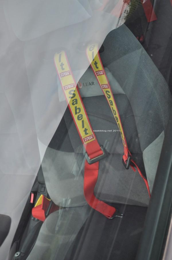 "Saab 900i, ""Talladega Long Run"" Sportsitze, Hosenträgergurte, sonst Serie"
