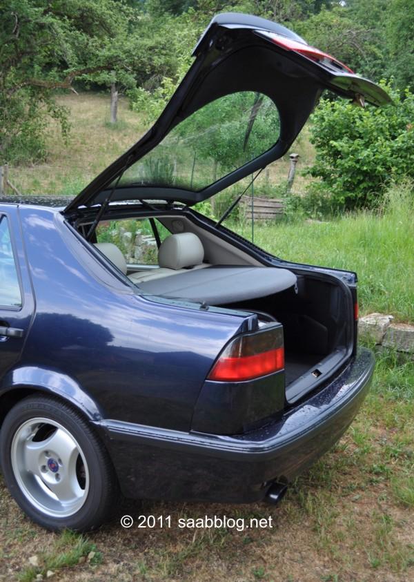 Saab 9000 CSE, sedan rápido, boca grande